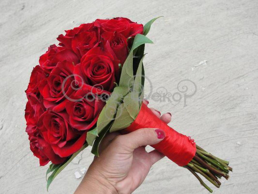 Большая роза из бумаги 59