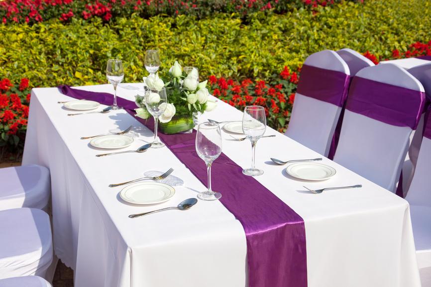 Украшение свадебного стола салфетками