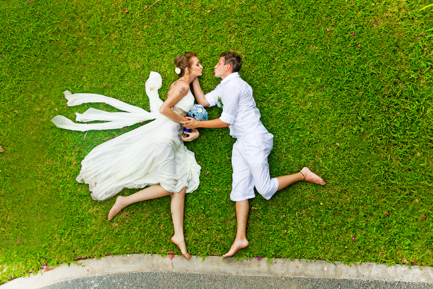 Свадебная фотосессия летом фото